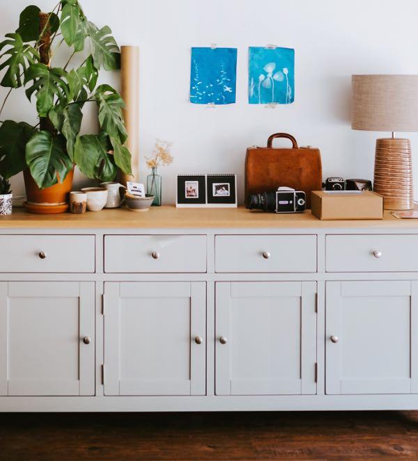 Half cabinet